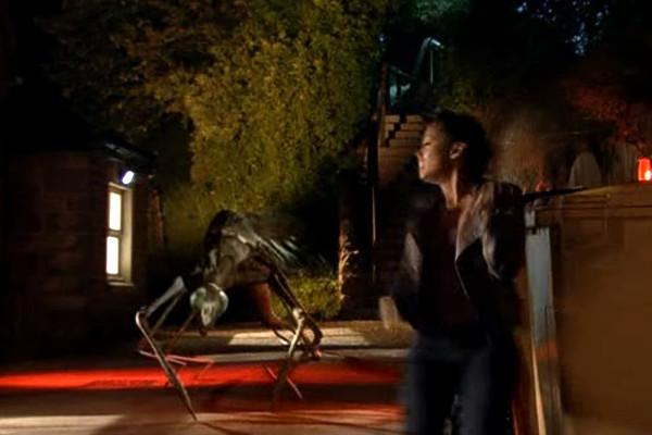 , Torchwood – Staffel 2, Teil 2: Der Tod steht ihm gut.