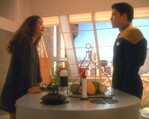 , Star Trek Voyager – Staffel 2, Teil 2: Ein Schiff fliegt immer (w)Eiter…