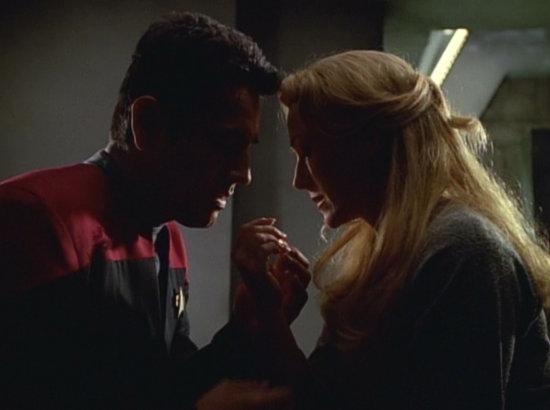 , Star Trek Voyager – Staffel 3, Teil 6: Wenn Blicke löten könnten…