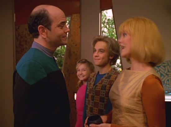 , Star Trek Voyager – Staffel 3, Teil 8: Viel Wirbel um nichts…