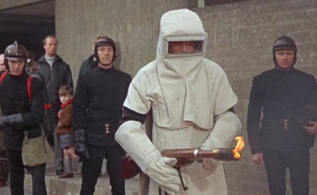 """fahrenheit 451, """"Fahrenheit 451"""" – Das Retro-Review"""